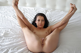 Youthfull sexy gash spreads her legs for fucking